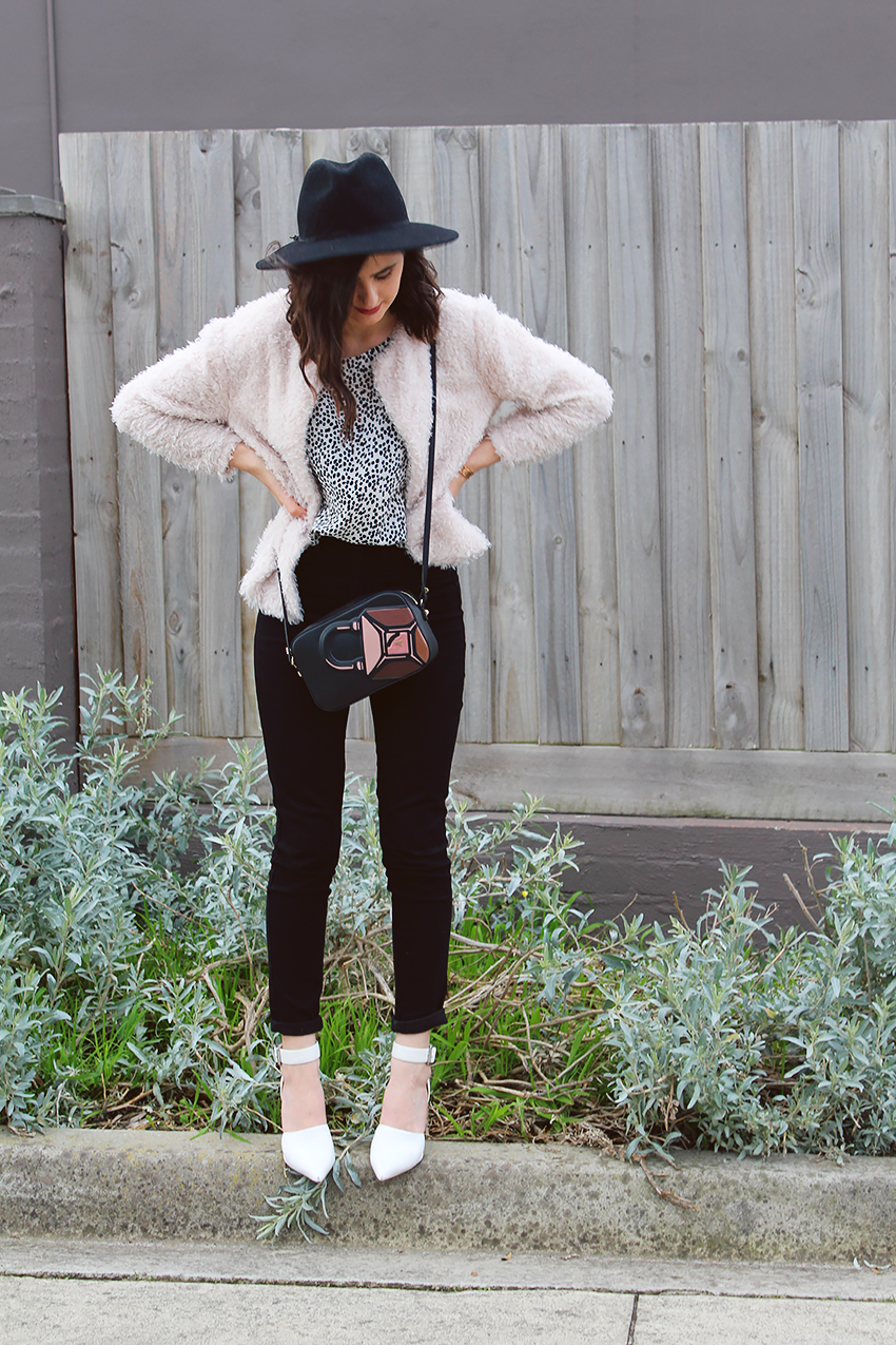 likeaharte, like a harte, ivana, ivana petrovic, how to wear rose gold jewelry, melbourne bloggers, australian bloggers, how to wear a fedora hat, how to wear white heels, how to dress up jeans, patrizia pepe, patrizia pepe winter 2016, patrizia pepe bloggers, the peach box