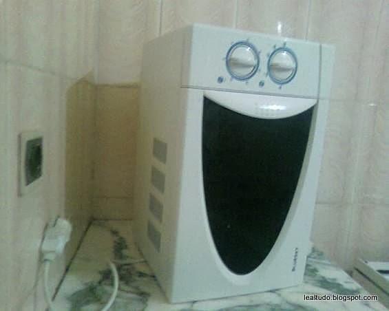 Microwave Happy Face - Rosto Feliz de Microondas - Pareidolia-001