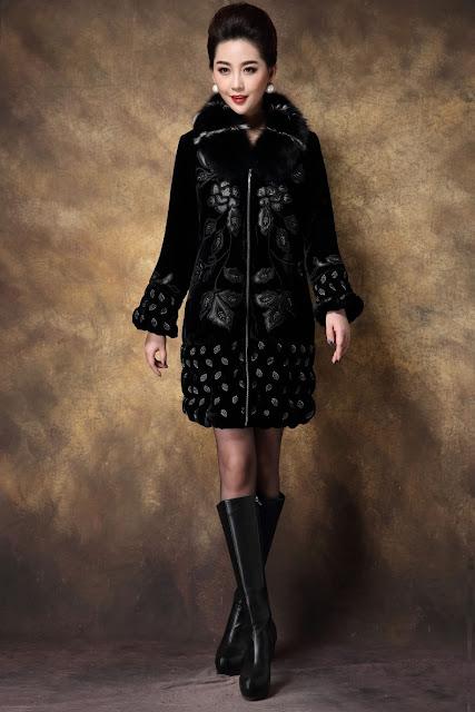 Bí quyết chọn áo khoác phao nữ trung niên