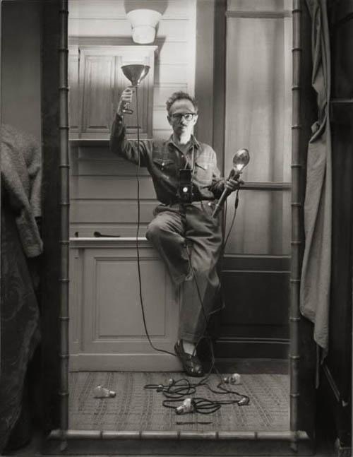 Auto-retratos ao espelho de fotógrafos famosos - Willy Ronis