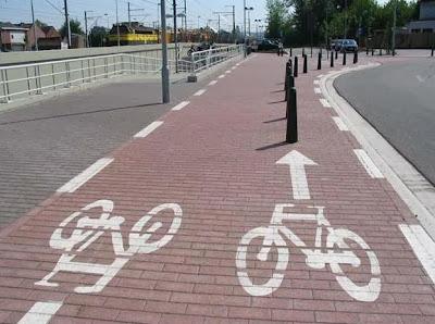 Piste cyclable dangereuse pour les vélos