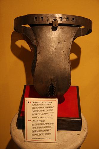 Уженщин рыцарей видны трусы фото 654-651