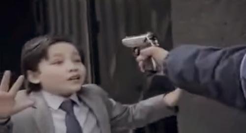 Propaganda de crianças fazendo coisas de adultos gera polêmica