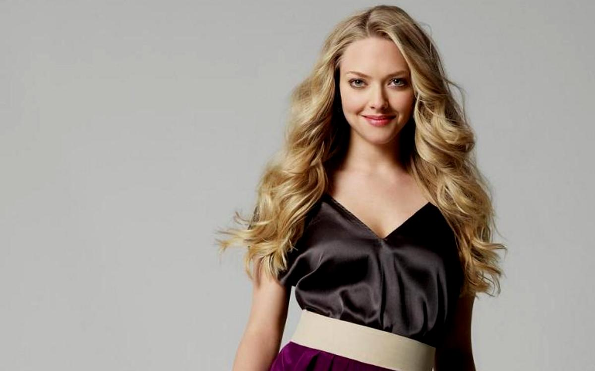 Amanda Seyfried Backgrounds