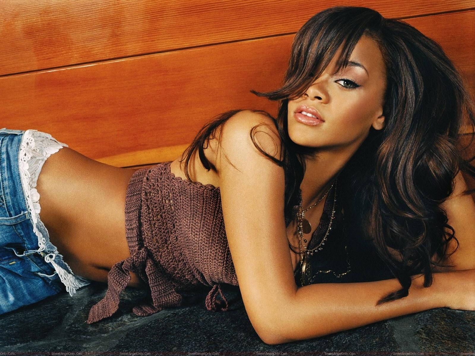 hollywood all stars: rihanna hot pictures and wallpapers