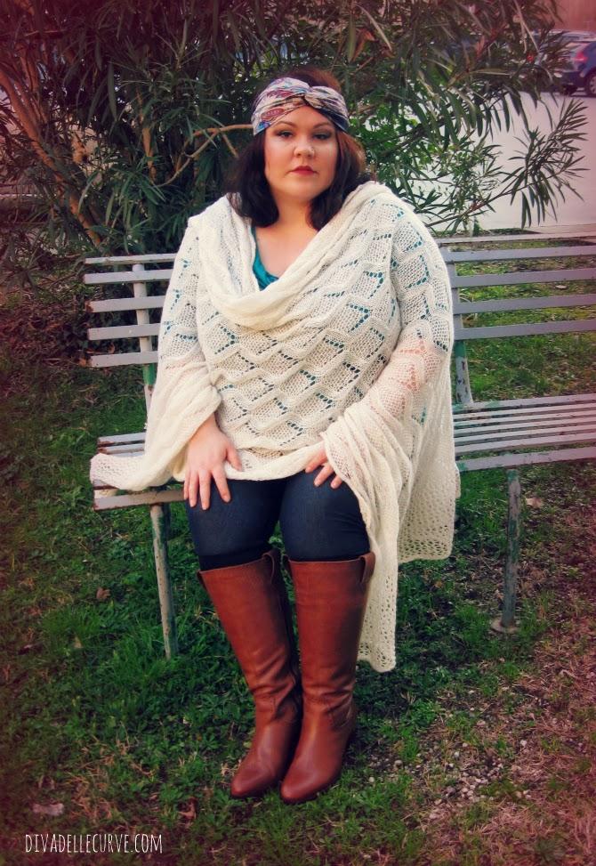 outfit plus size boho chic con stivali conformati