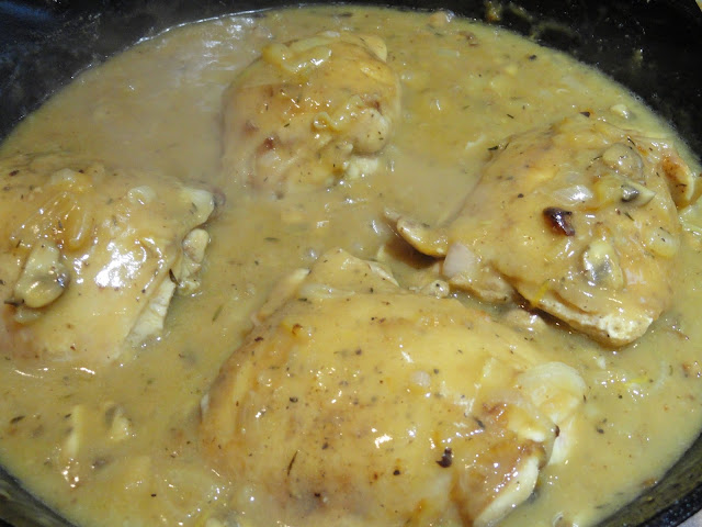 Creamy-Cheesy-Chicken-and-Mushroom-Linguine-Chicken-Cook.jpg