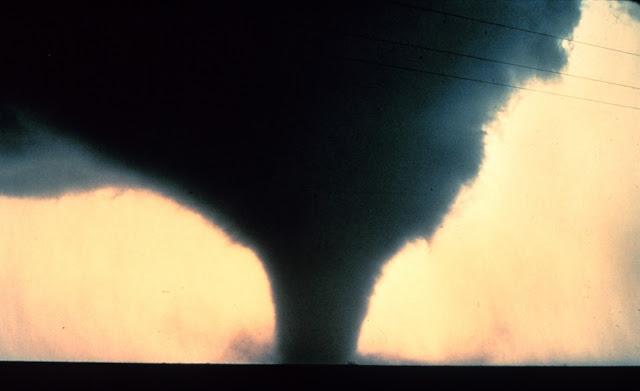 http://silentobserver68.blogspot.com/2012/12/severe-weather-spawns-34-tornado.html
