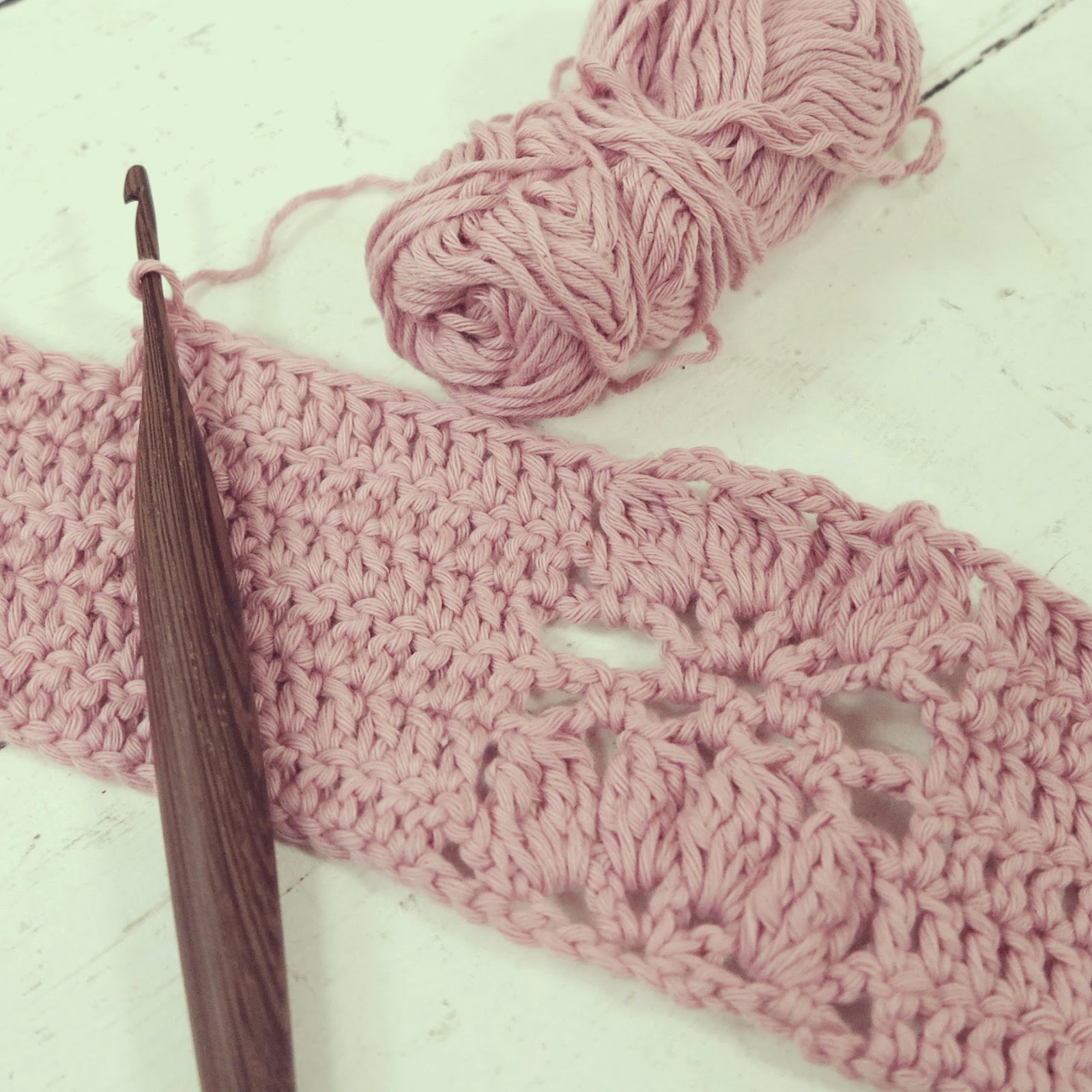 ByHaafner, crochet, sample, pink, handmade wooden crochet hook