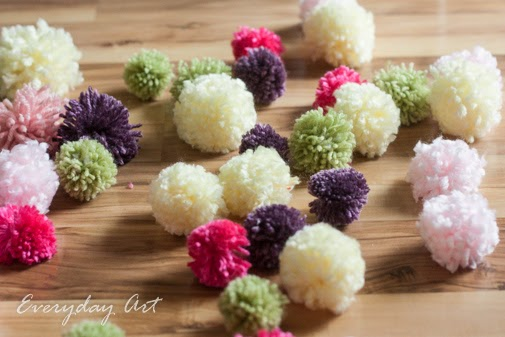 http://www.our-everyday-art.com/2015/02/how-to-make-yarn-pom-poms.html