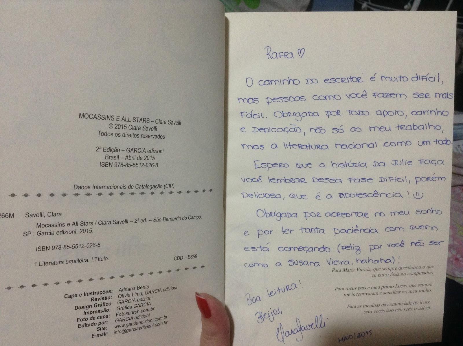 83fe05c28e A menina que comprava livros   Resenha   Mocassins   All Stars