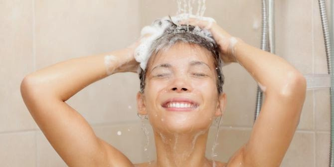 http://informasikankerservik.blogspot.com/2014/12/inilah-5-manfaat-mandi-sore-bagi-kesehatan-tubuh.html