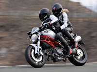 2012 Ducati Monster 796 Gambar Motor 1