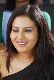 anu smirthi latest hot spicy image