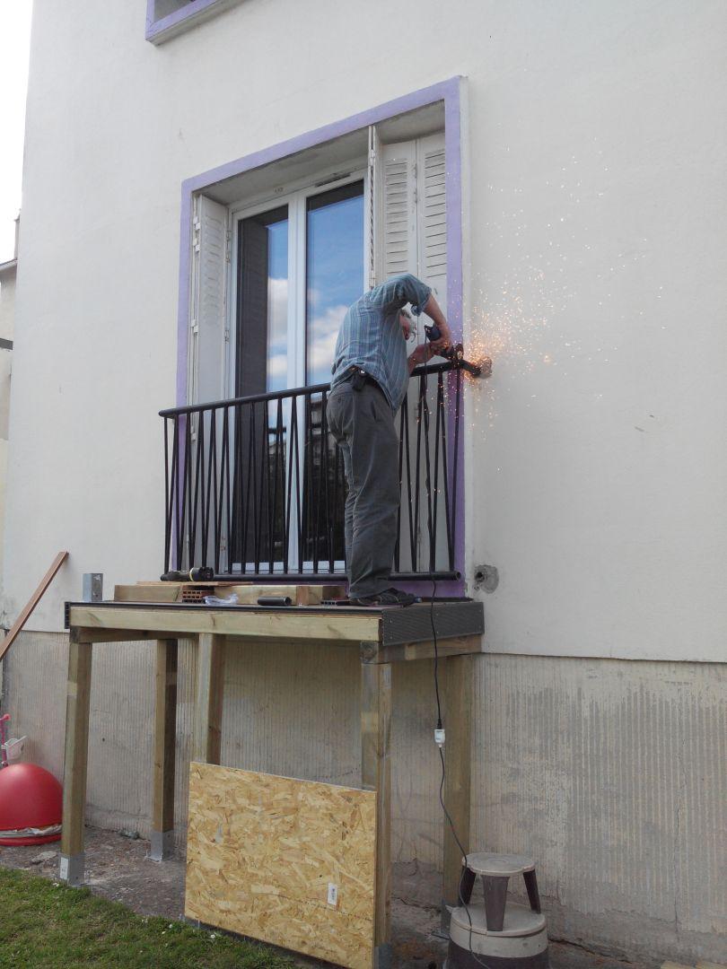 Coutures bidouilles construire un balcon avec escalier for Escalier balcon exterieur