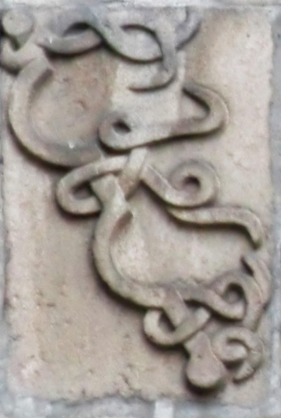 En el escudo de la plaza del Corregidor