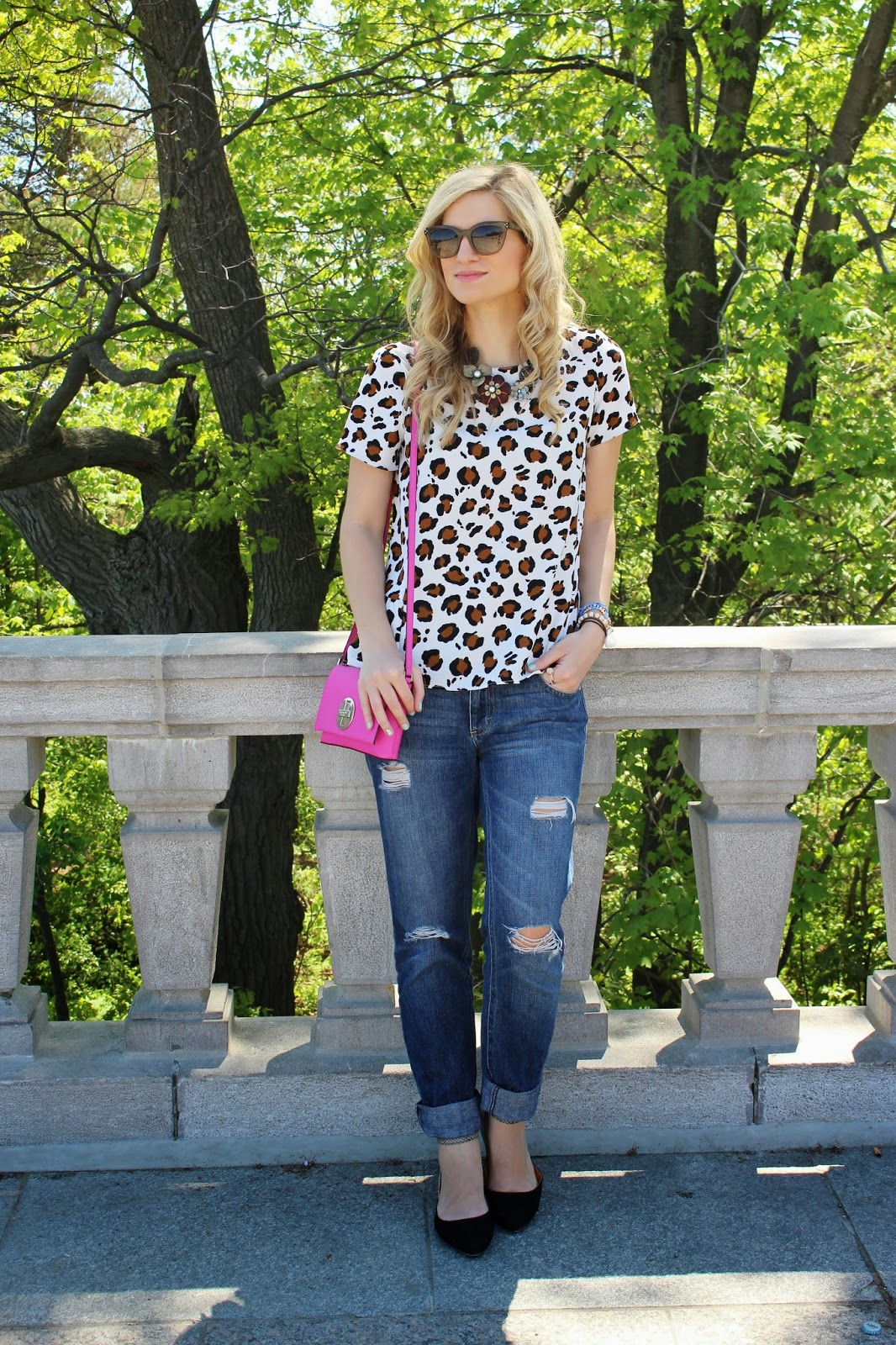 bijuleni - Rachel Roy boyfriend jeans with animal print top