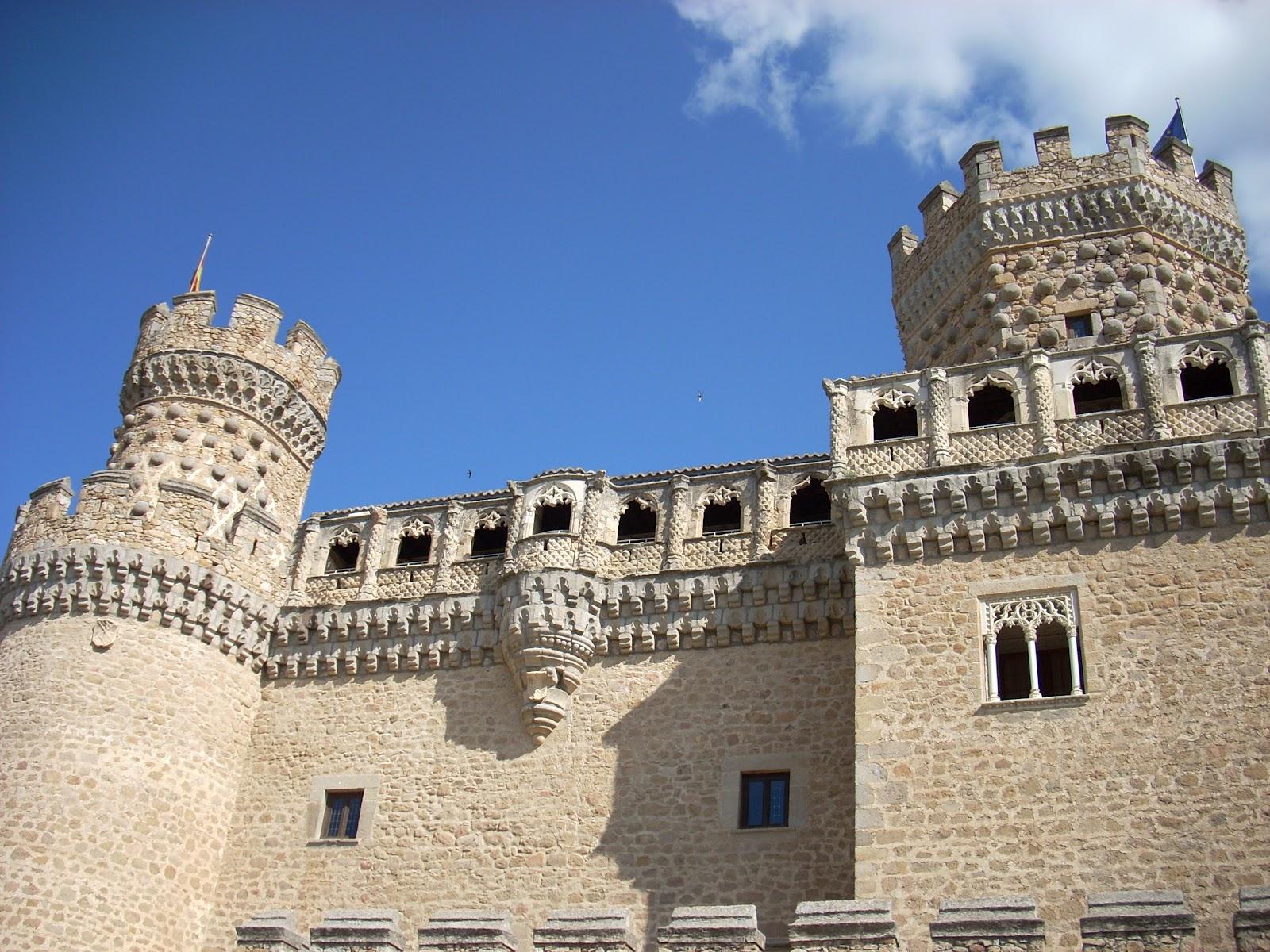 Europa de lisboa a vladivostok el castillo nuevo de - Casa en manzanares el real ...