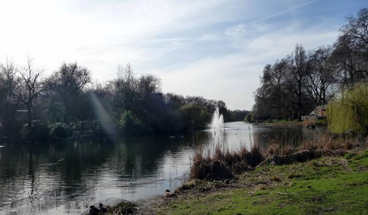 St. Jame's Park London: Claire Justine's Travel