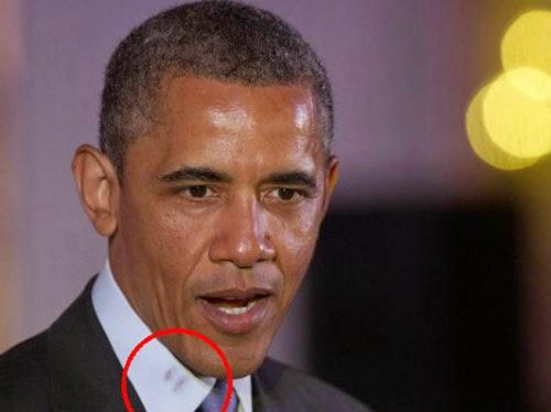 حرج في البيت الأبيض من آثار قبلة على قميص أوباما