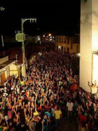 Minas+Novas+carnaá+rua Cidades do vale se preparam para o Carnaval 2013