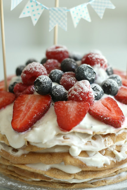 Mittwochs mag ich, Mmi, Geburtstagstorte selbstgemacht, Geburtstagskuchen, Pfannekuchentorte, Rezept, gesundes Kuchenrezept, fettarme Torte, glutenfrei