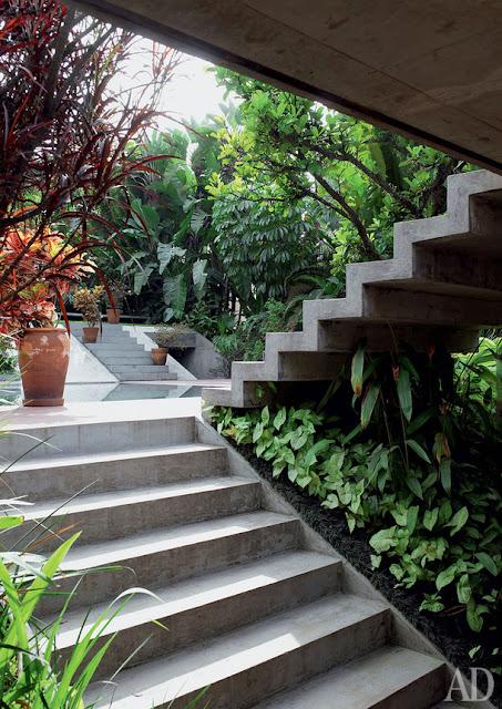 Milan Haus in Brasilien - Architektur zum luftigen Einrichten und Wohnen: Garten in Beton