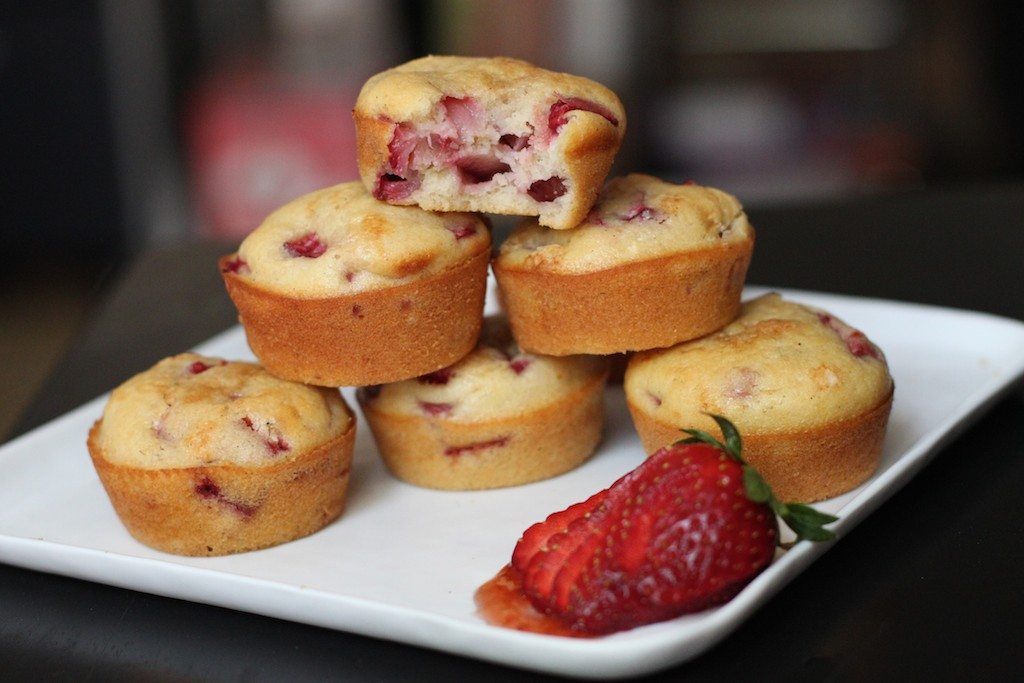 37 Cooks: Strawberry-Olive Oil Muffins