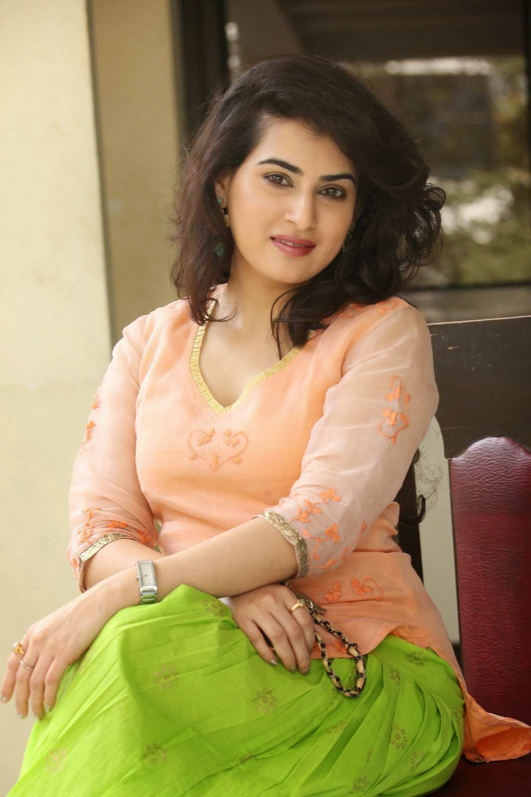 Actress Archana Latest Cute Hot Spicy PhotoShoot Gallery