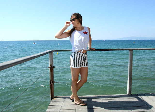 Short black and white de primark y camiseta carita bonita