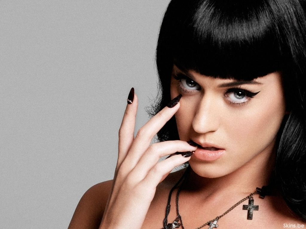 Katy Perry Finger