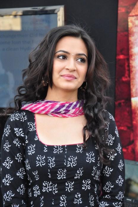 Kriti Kharbanda Latest Beautiful Pics In Colorful Black Dress