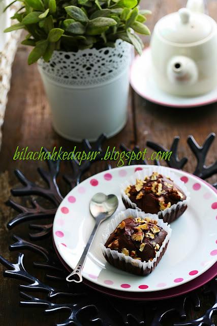 best chocolate walnut  muffins