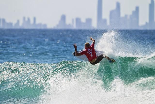 46 Quiksilver Pro Gold Coast 2015 Mick Fanning Foto WSL Kelly Cestari