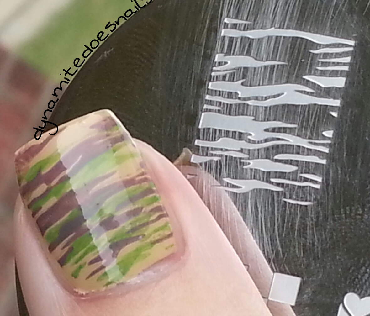 Viewing Gallery For - Cute Camo Nail Designs