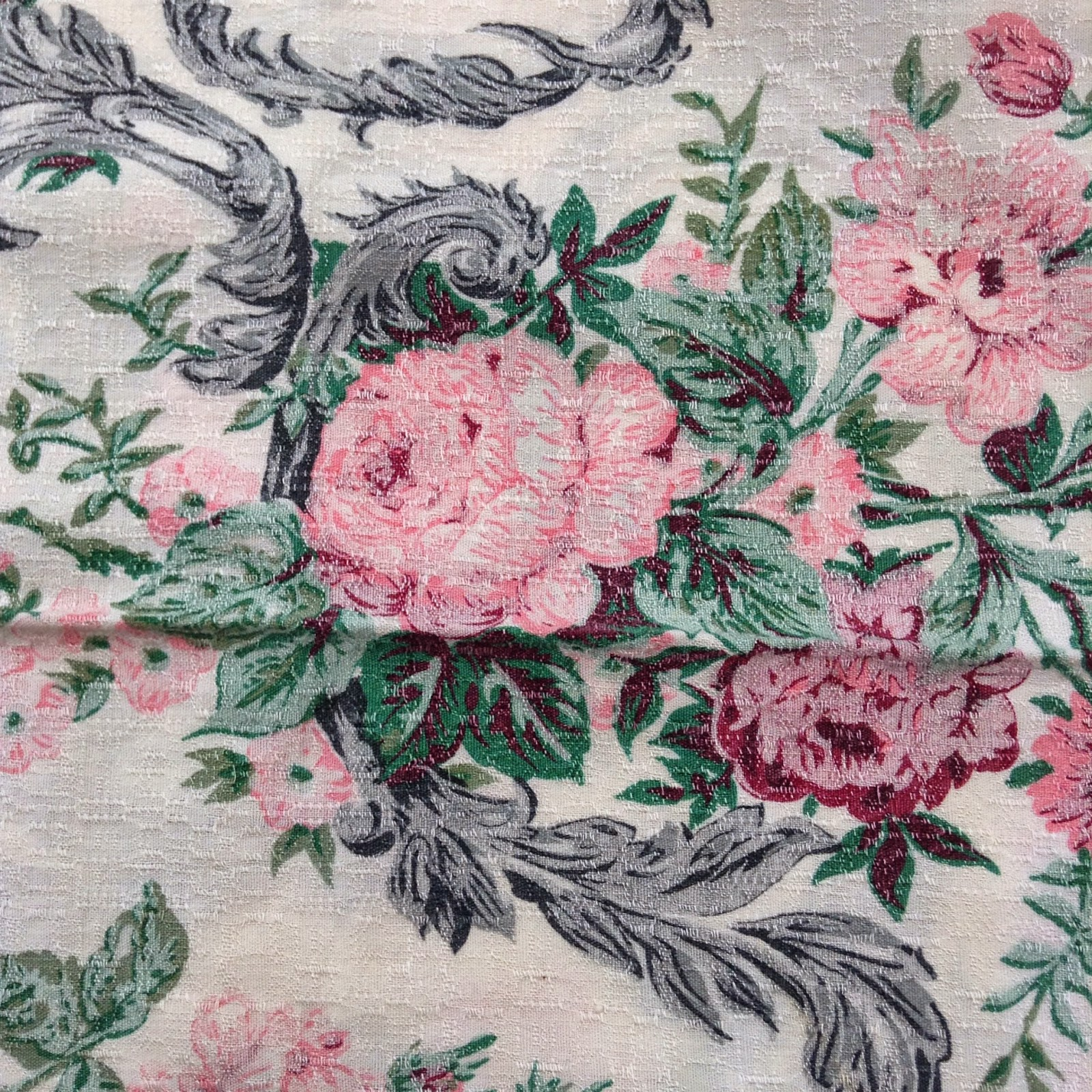 Brin de fantaisie salon pour l 39 amour du fil nantes Utilisation de tissus dans le salon