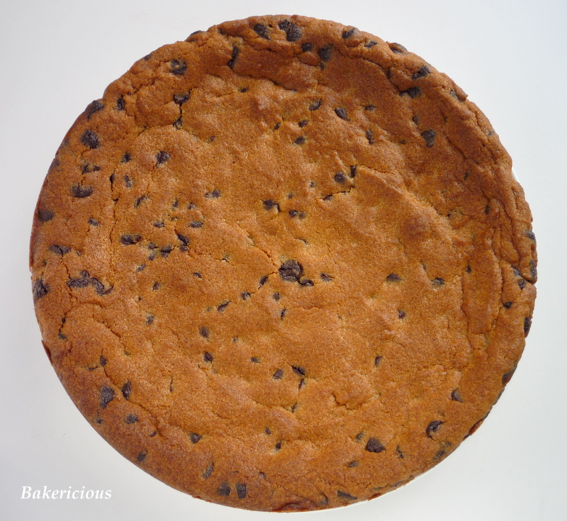 Bakericious: Peanut Butter Chocolate Chip Cookie Cake