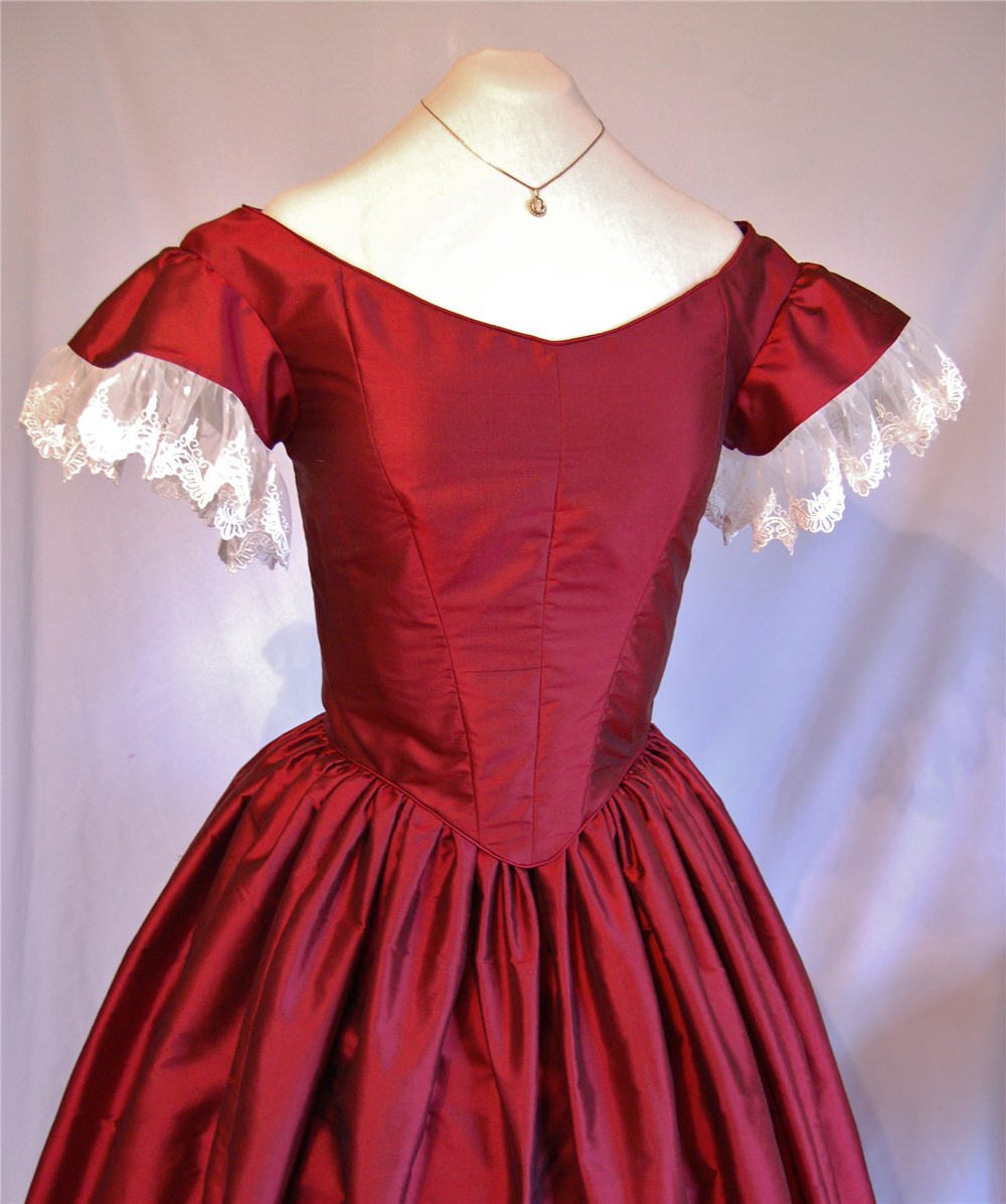 The Story of a Seamstress: A Victorian Christmas Ballgown | Gowns ...