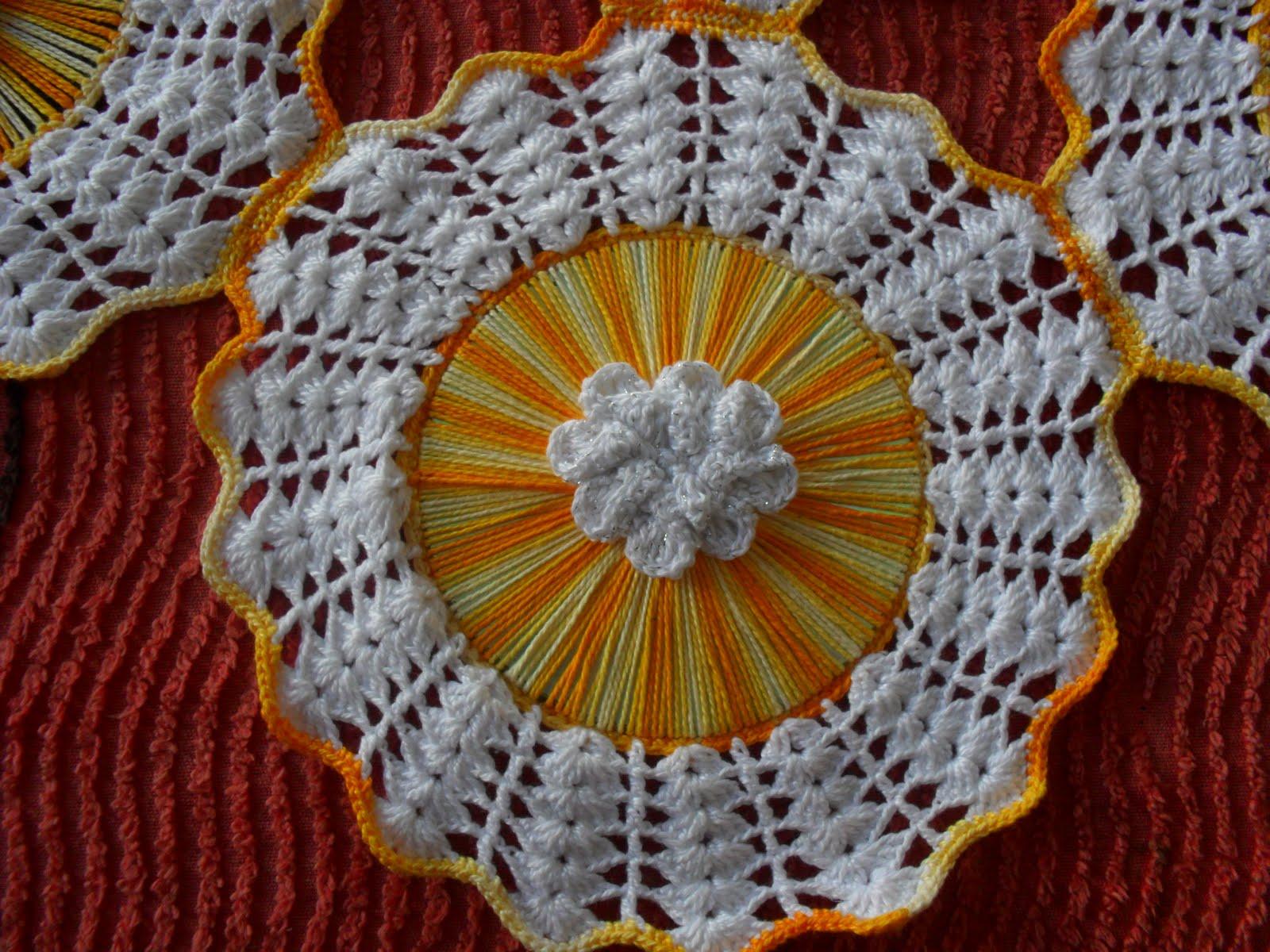 Adesivo De Alto Desempenho Para Argamassas ~ Dricartes Artesanatos do Brasil toalha de mesa de croch u00ea com cd e aplicaç u00e3o de flores