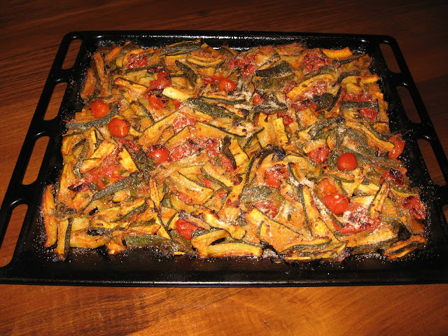 zucchine con pomodorini al forno