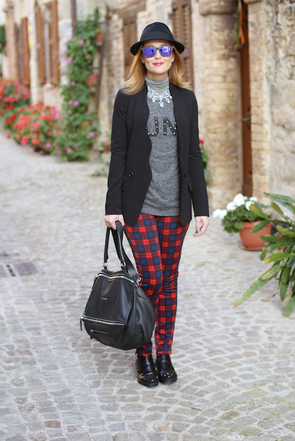 pantaloni scozzesi zara, roberto botticelli, h&m fedora hat, givenchy pandora, fashion and cookies, fashion blogger