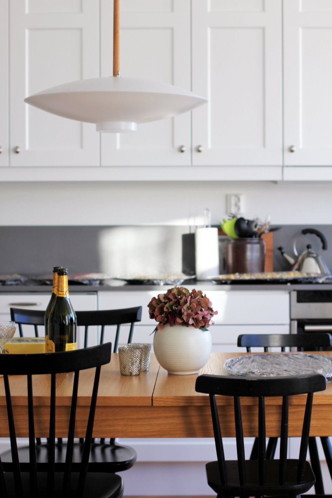 Stort Bursprak Kok :  kok i den hor luftiga matsalen med ett stort underbart bursprok