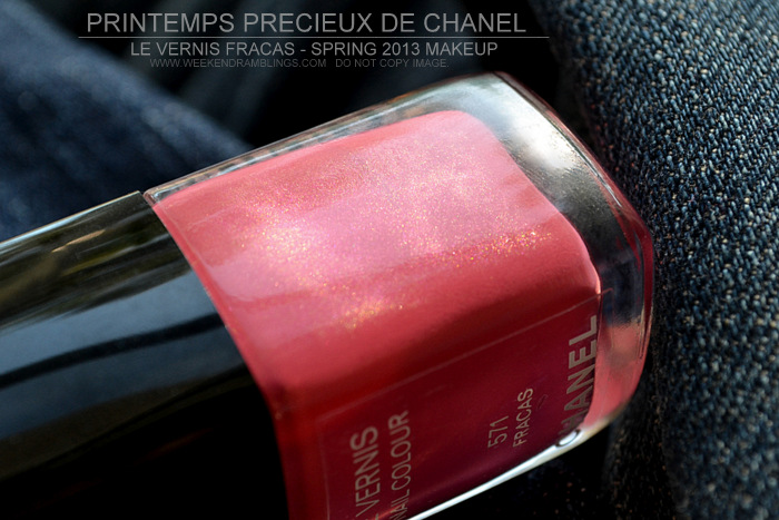 Le Vernis Fracas 571 Nail Color Polish Printemps Precieux de Chanel Spring 2013 Makeup Collection Review NOTD Swatches