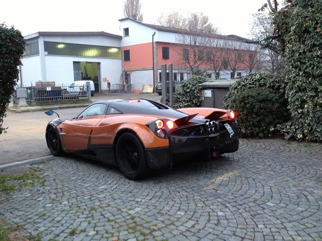 prototype 0 pagani huayra for sale in uae. Black Bedroom Furniture Sets. Home Design Ideas