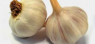 Τι συμβαίνει όταν τρώς σκόρδο με άδειο στομάχι-Τι θεραπεύει