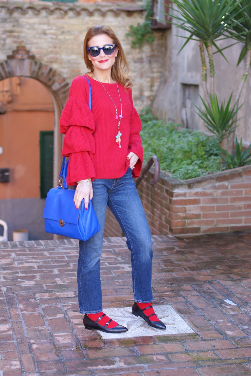 Casual party look with Ruffle sleeves top, Sergio Amaranti shoes and Milly Wythe satchel bag on Fashion and Cookies fashion blog, fashion blogger style