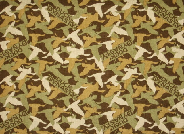 Duck Dynasty Pink Camo Background duck dynasty duck comm...