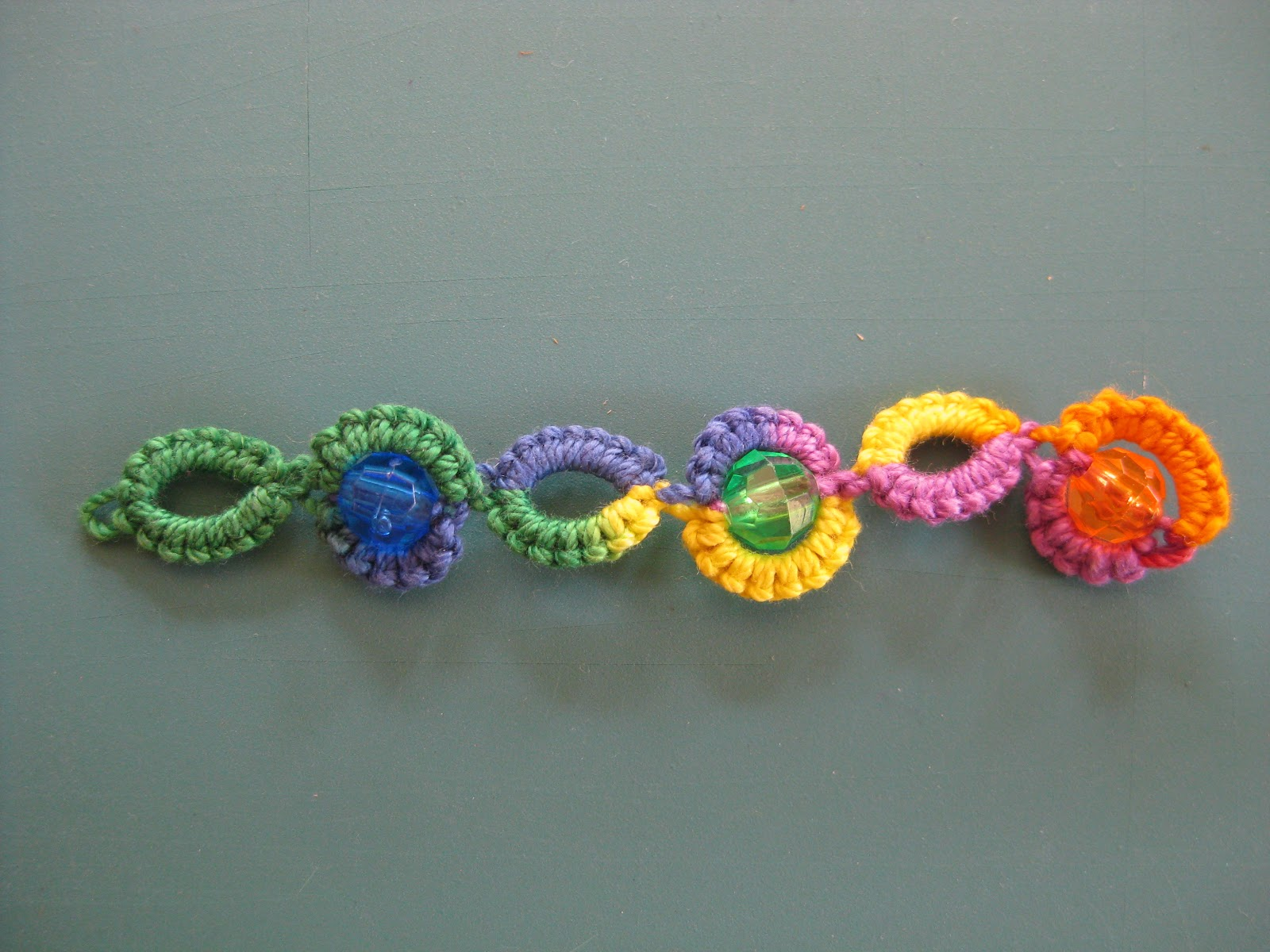 Needle Tatting, split chain with beads