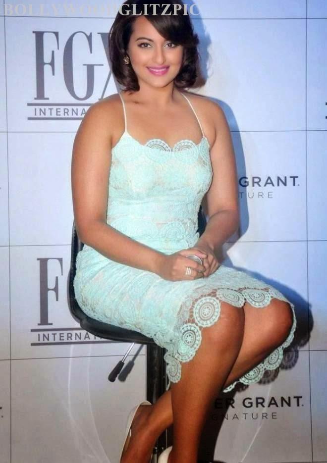 Sonakshi Sinha Photos At Foster Grants Eyewear