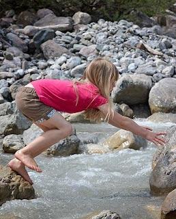 barefoot little girl